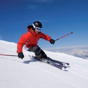 Curso de esquí para jóvenes en el Puerto de Navacerrada