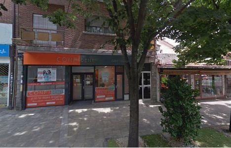 Detenidos por estafa los propietarios de una clínica dental que cerró sin terminar los tratamientos pagados por los clientes