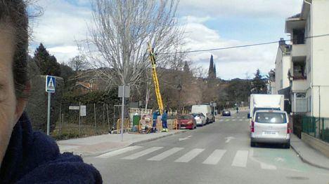 Un camión arranca cable telefónico en Flor de Lis