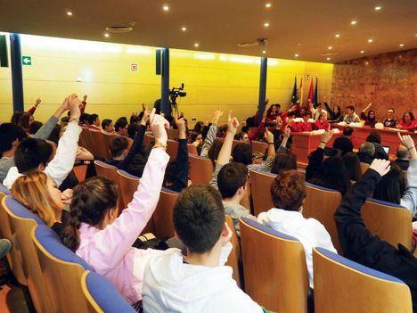 Los jóvenes torresanos quieren más actividades y transporte público