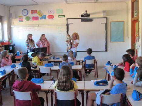 Charlas en centros educativos sobre la tenencia responsable y el cuidado de animales