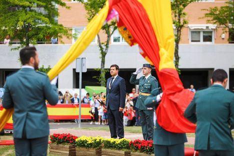 Más de 500 personas en el izado de la bandera de España en el Parque Empresarial