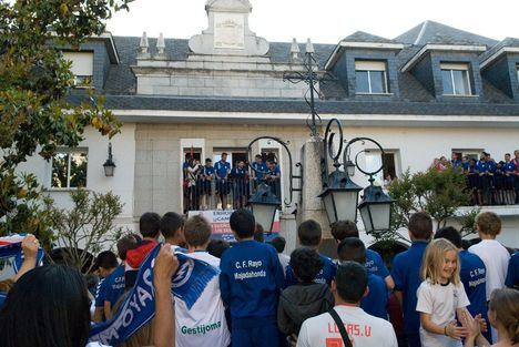 El Rayo Majadahonda celebra su ascenso a Segunda