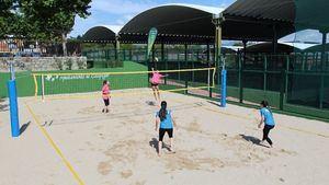 Galapagar estrena su nueva pista de voley-playa