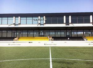 El campo de fútbol 'El Chopo' estrena gradas