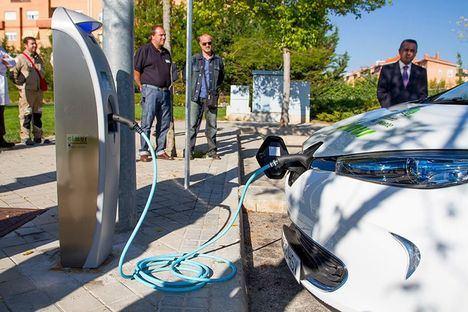 Los vehículos 'cero emisiones' no pagarán en la zona de estacionamiento limitado