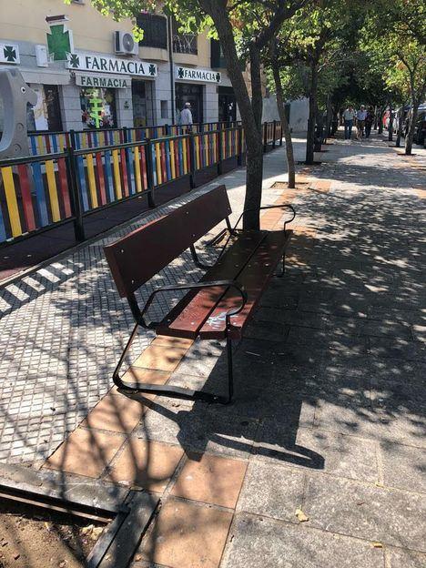 Reposición de mobiliario urbano en distintos puntos de El Escorial