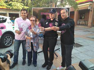 La Policía Local se tiñe de rosa para concienciar sobre el cáncer de mama