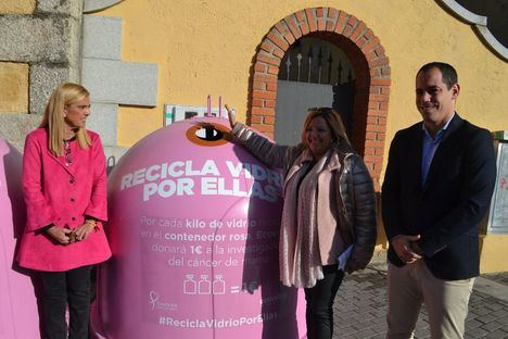 El Ayuntamiento anima a reciclar vidrio para luchar contra el cáncer de mama