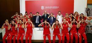 Selección Española Femenina de Fútbol se une a campaña de donación de médula