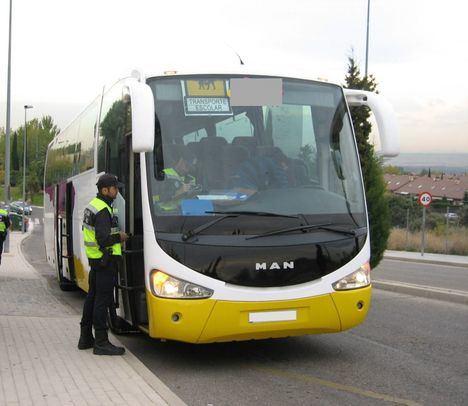 Los autobuses escolares superan la inspección de la Policía local