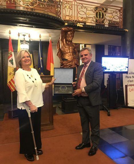 Majadahonda recibe el reconocimiento de Ciudad Europea de la Navidad