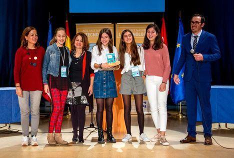 El IES Carmen Conde gana el VI Torneo de Debate