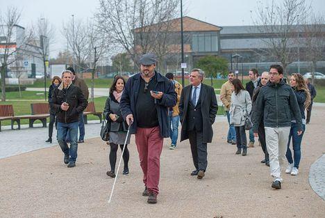 El Parque Adolfo Suárez, accesible para personas con discapacidad visual