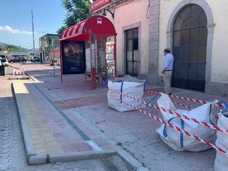 El Escorial emprende un plan de mejora de accesibilidad de las paradas de autobús