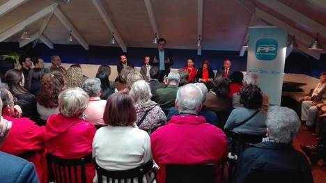 Alfonso Serrano participó en un encuentro con militantes del PP