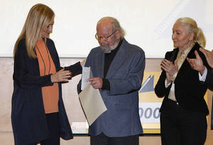 Caballero Bonald recibe el Premio Francisco Umbral 2016